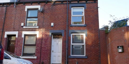 29 Welton Place (3 beds) Hyde Park LS6