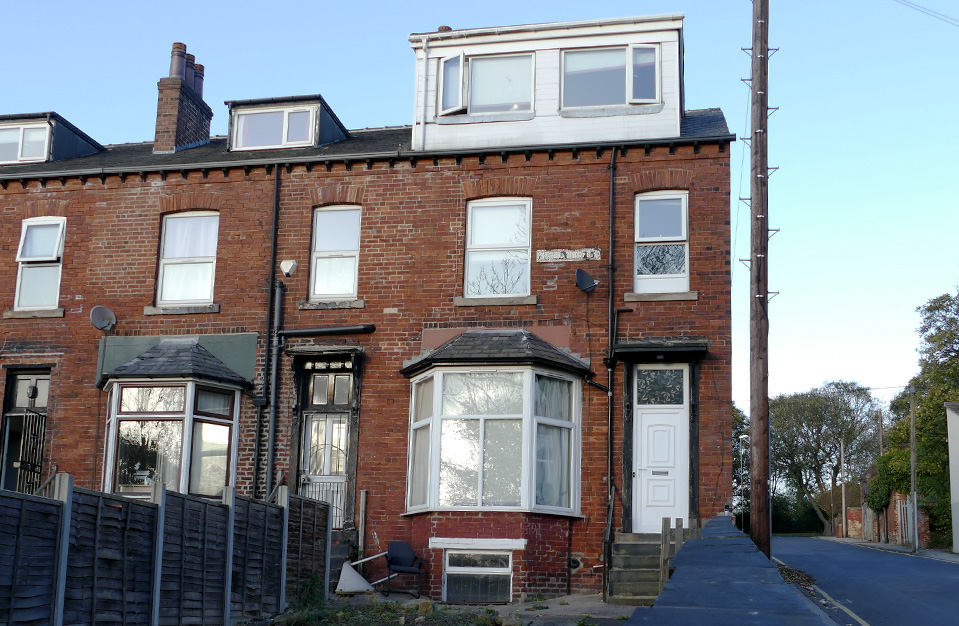 1 Moorland Avenue (6 bed) Hyde Park LS6